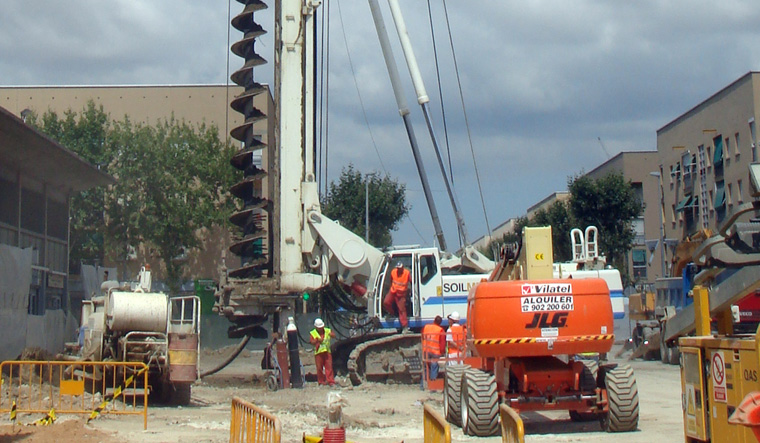 土力机械SF-140长螺旋钻孔机图片