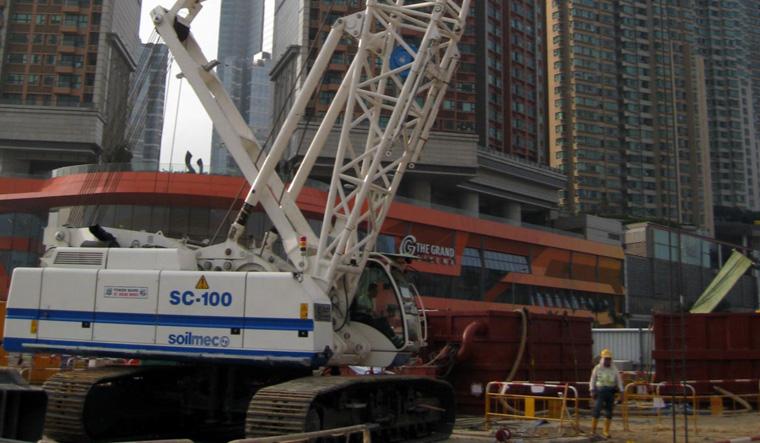 土力机械SC-100履带式起重机