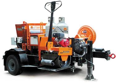 英达TM150-TLR拖挂式路面养护修补车