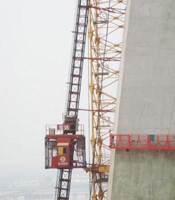 宝达SCQ曲线式系列施工升降机