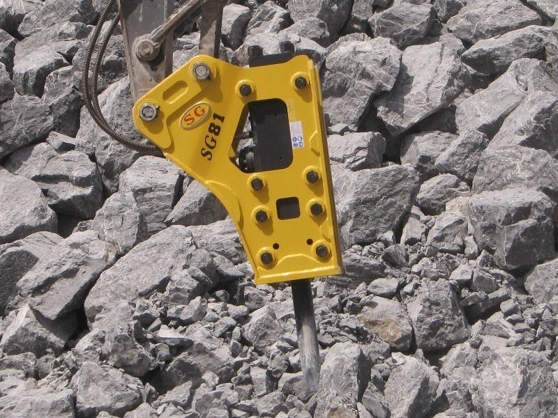 世工机械SG43三角型破碎锤图片