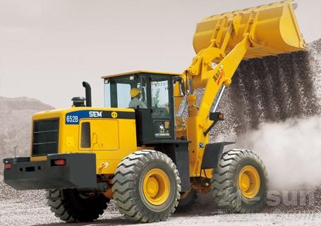 山工机械SEM652B轮式装载机