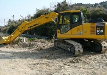环保机型:小松PC160LC-8挖掘机