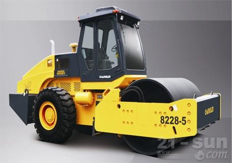常林公司8228-5机械式高端型单钢轮压路机