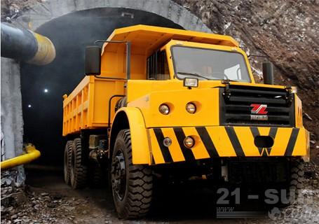 同力重工TLK301铰接式自卸卡车