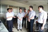 山东省总工会副主席李臻到山东临工进行调研