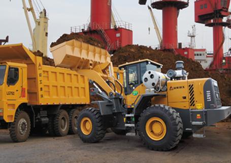 山东临工LG968天然气轮式装载机