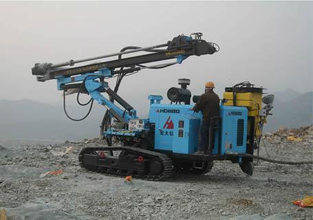宏大HD680液压潜孔钻机