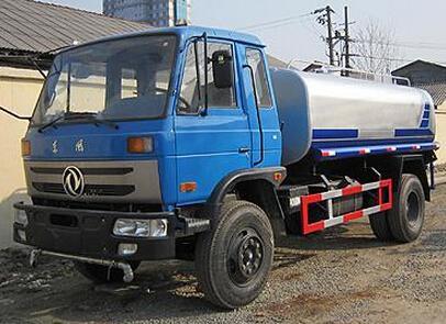 湖北合力东风145洒水车,绿化喷洒车,8吨10吨洒水车图片