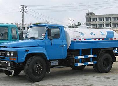 湖北合力东风尖头绿化喷洒车,东风140洒水车,6-8吨洒水