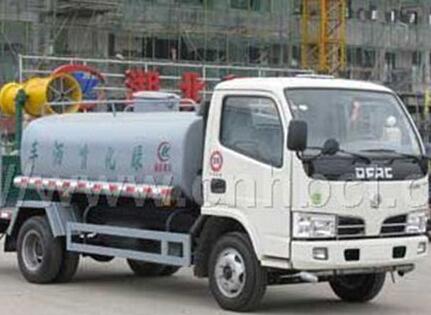 北方重工10吨型北汽福田底盘洒水车图片
