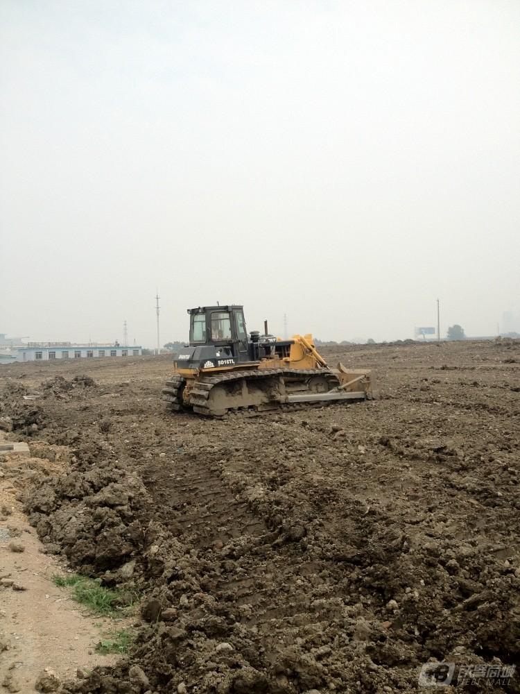 山推SD16L湿地型推土机外观图4