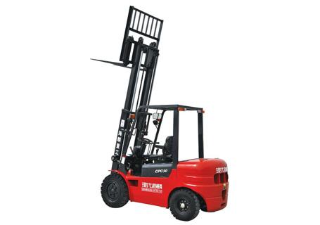 现代海麟3吨柴油内燃叉车图片