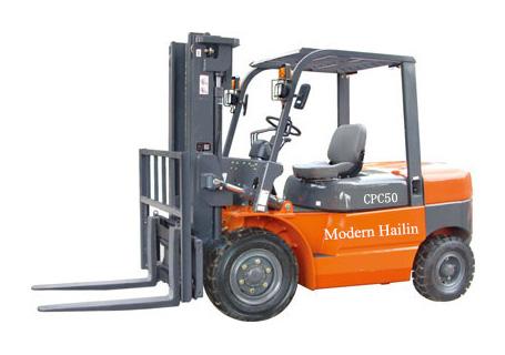 现代海麟4-5吨柴油内燃叉车图片