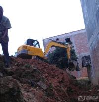 挖机工作图片