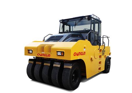 常林公司8302-5轮胎压路机
