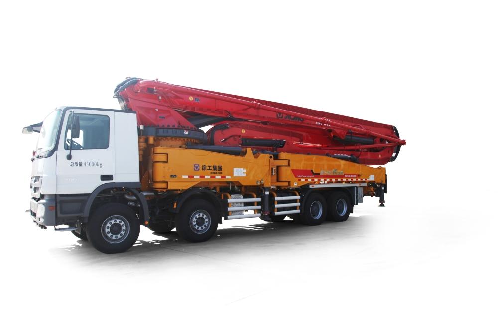 徐工HB56K混凝土泵车
