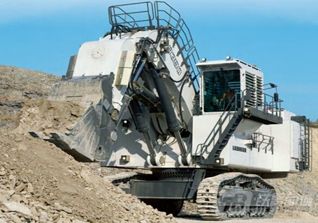 利勃海尔R9350矿用挖掘机