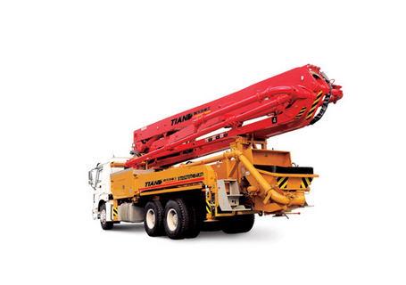 鑫天地重工XTD5270THB-4R37混凝土泵车