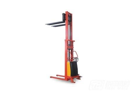 奥泰CTD1520半电动堆高车