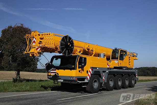 利勃海尔LTM 1095-5.1汽车起重机