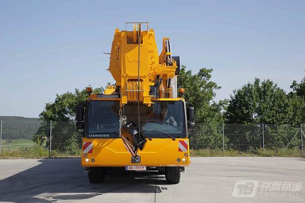 利勃海尔LTM 1130-5.1汽车起重机
