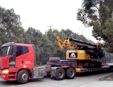 泰信机械KR90CCAT底盘小型旋挖钻机外观图6