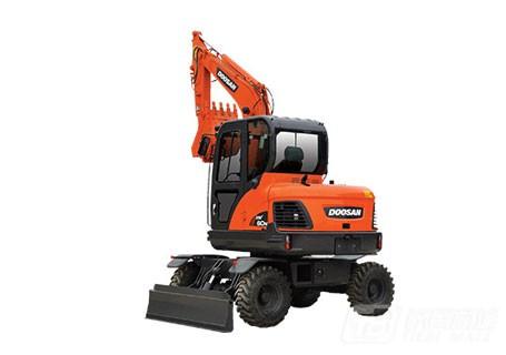 斗山DX60W轮式挖掘机图片