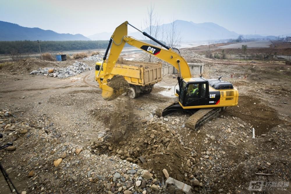 卡特彼勒326D2 L履带挖掘机