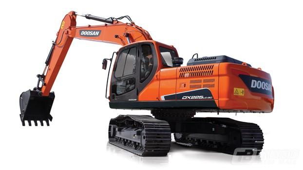 斗山DX225LC-9C履带挖掘机