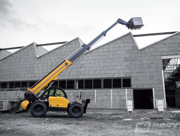 欧历胜HTL 4017高举升型伸缩臂叉装车