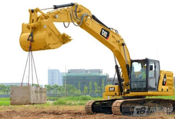Cat^r 323液压挖掘机
