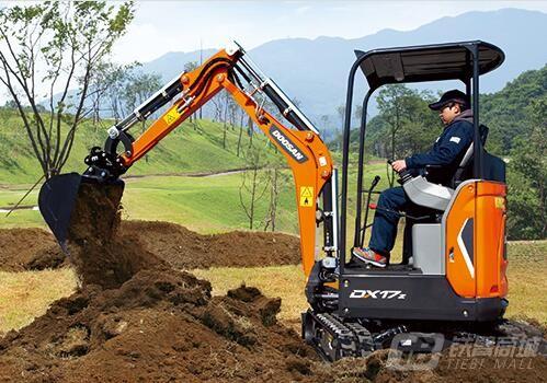 斗山DX17z履带挖掘机