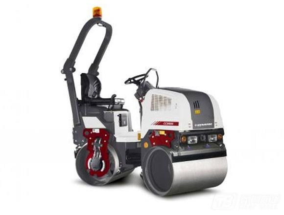 戴纳派克CC900S Plus双钢轮压路机