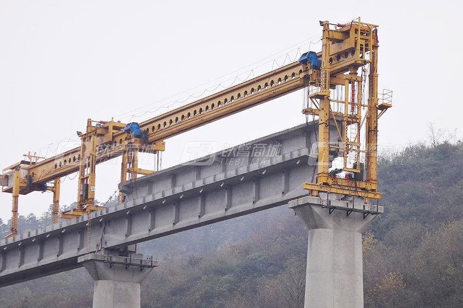 徐工TJ180公铁两用架桥机