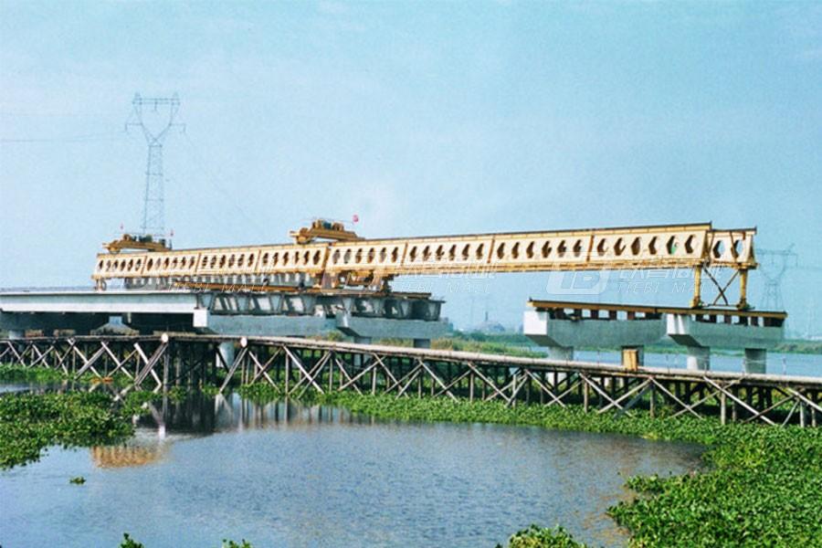 华中建机HZQ50-160运架一体架桥机