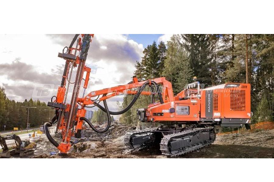 山特维克Ranger  DX800R露天顶锤钻机