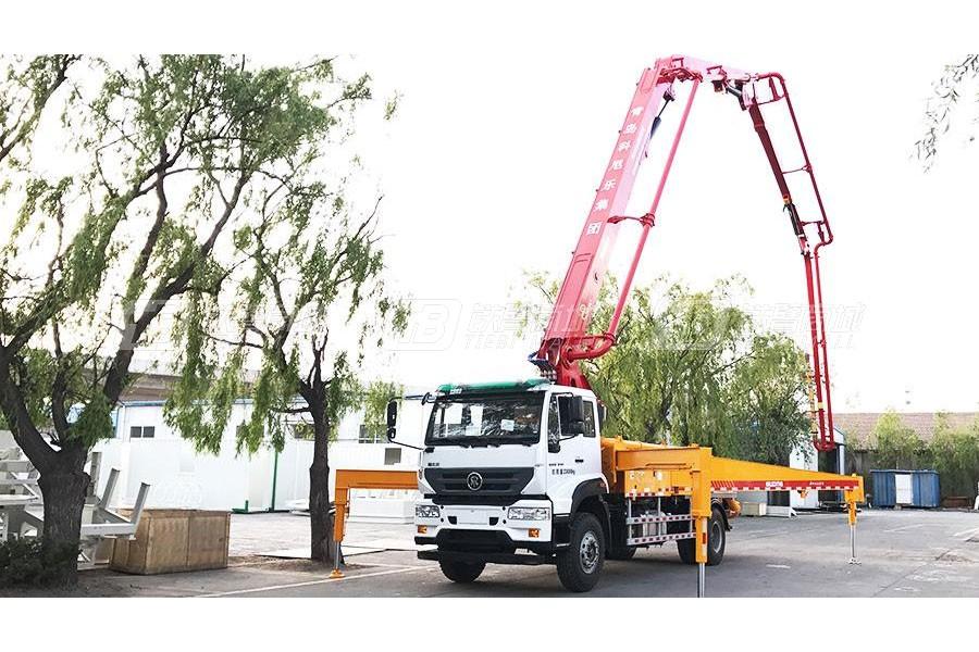 青岛科尼乐ZZ5231N521GE1重汽M5G33米混凝土泵车