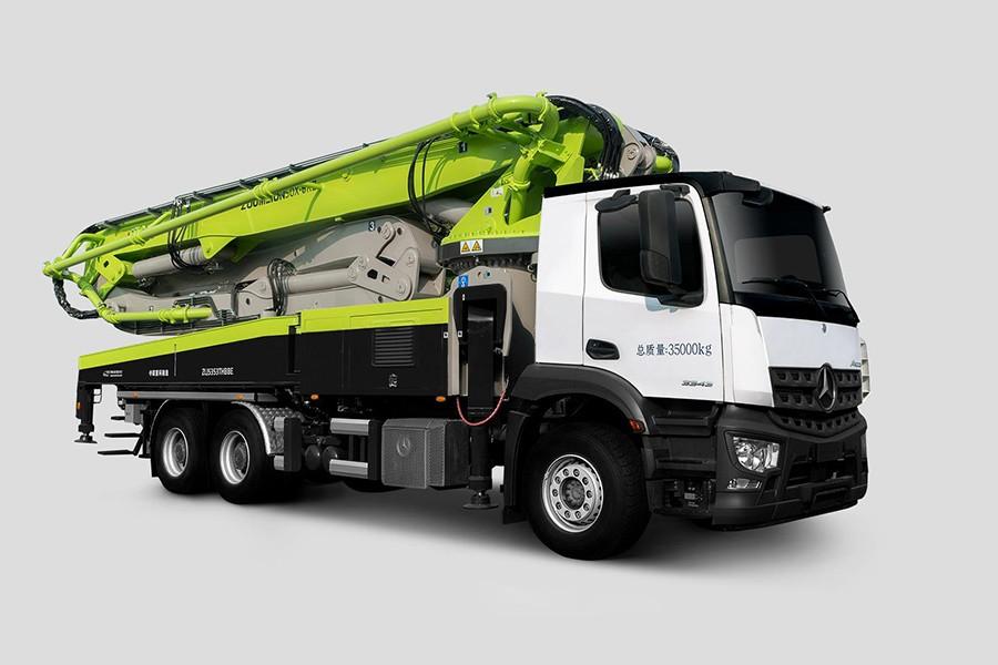 中联重科ZLJ5350THBSE 50X-6RZ混凝土泵车