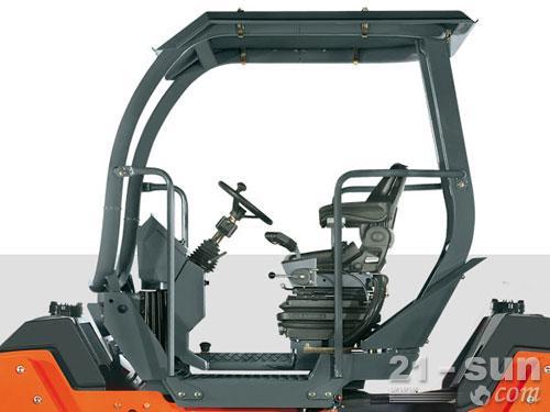 悍马HD110双钢轮压路机外观图2