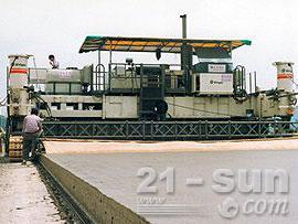 维特根SP 1600滑模摊铺机