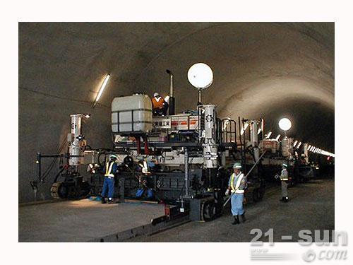 维特根SP 850滑模摊铺机外观图2