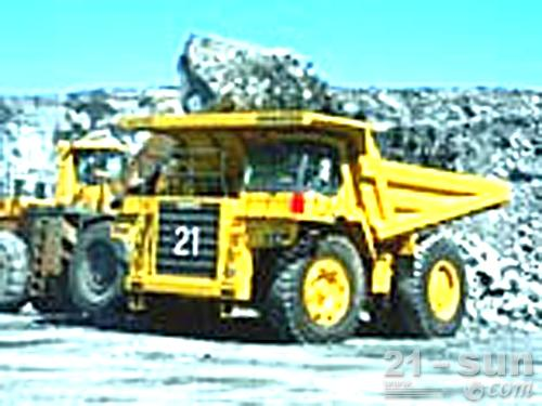 小松HD325-6非公路矿用自卸卡车外观图1