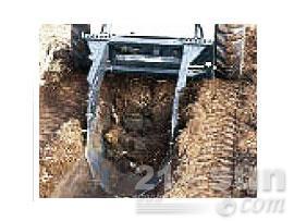 山猫挖沟器滑移装载机图片