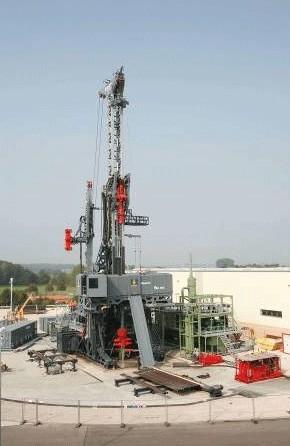 德国宝峨石油旋挖钻机图片