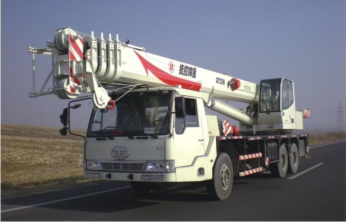 抚挖重工QY25N汽车起重机