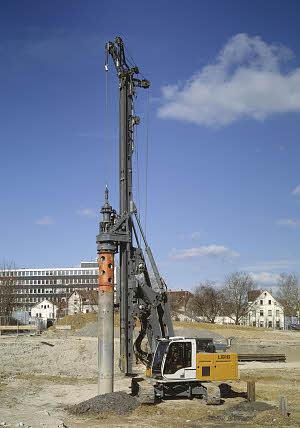 利勃海尔LB16旋挖钻机