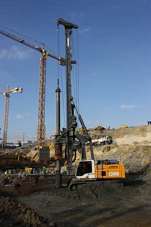 利勃海尔LB24旋挖钻机