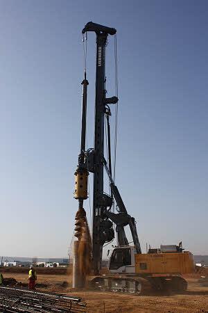 利勃海尔LB28旋挖钻机