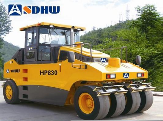 华伟重工HP830轮胎压路机